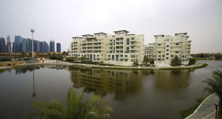 Breathtaking View of the Lake-Single Row Townhouse