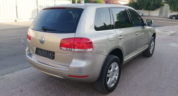 VolkWagen Touareg 2006 Single Owner, Agency Services, Less Kms, Accident Free, 2 Keys, New Battery