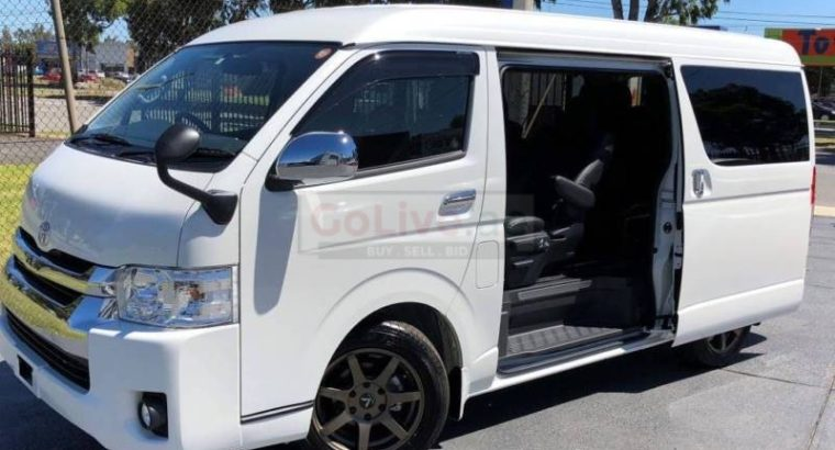 Toyota hiace hiroof 15 seater with driver for tour and rent