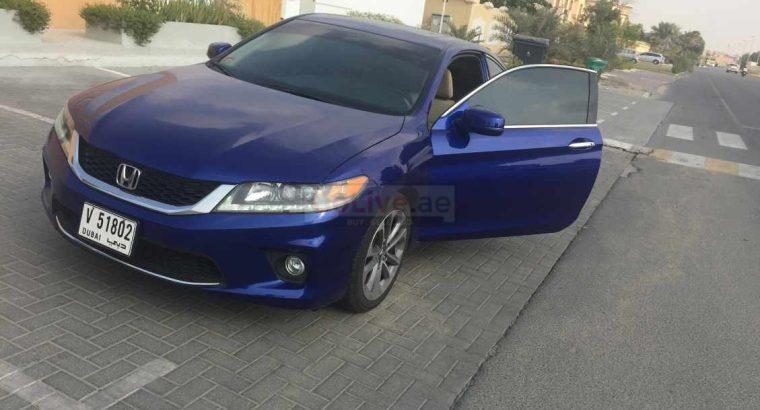 Honda Accord couple 2015 blue