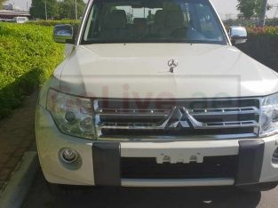 Mitsubishi pajaro 2010 3.8 full option