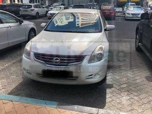Nissan Altima mid option 2012 urgent sale