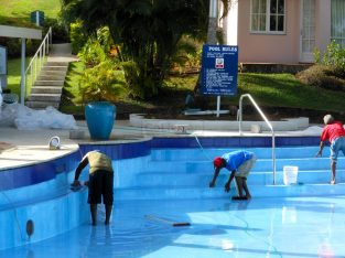 Swimming Pool Maintenance Cleaning