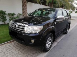 TOYOTA FORTUNER 2009,GCC,2.7L,FOUR CYLINDER,FOUR WHEEL DRIVE,WELL MAINTAINED
