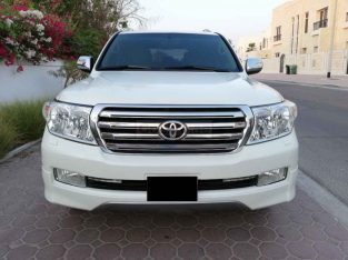 TOYOTA LAND CRUISER 2011,GXR V6,GCC,ORIGINAL PAINT,SUNROOF,LEATHER SEATS