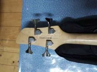 Bass guitar (washburn wb44) for sale