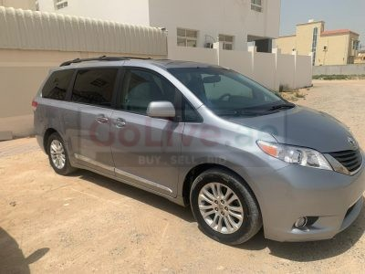 TOYOTA SIENNA 2012 XLE FULL OPTION WITH SUNROOF FULLY AUTOMATIC IMPORTED VAN