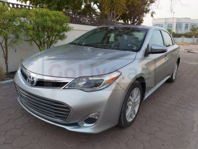 TOYOYA AVALON 2015 XLE SILVER US IMPORTED IN PERFECT CONDITION