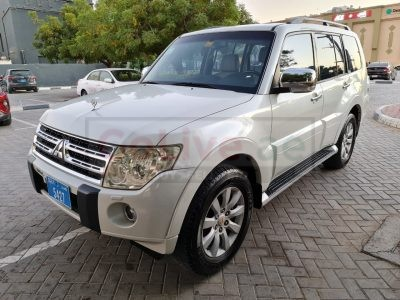 MITSUBISHI PAJERO 2010,3.8 V6,75000KM ONLY,TOP OF THE LINE,SUNROOF,ACCIDENT FREE
