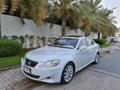 LEXUS IS300 2007 TOP OF THE PEARL WHITE ACCIDENT FREE CAR FOR SALE