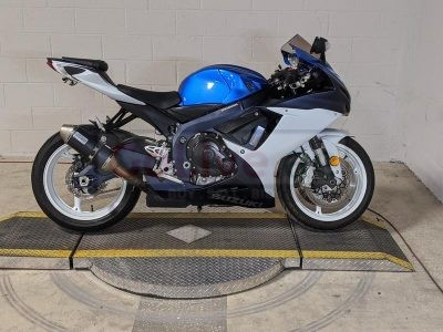 2014 Suzuki gsx r600cc available for sale