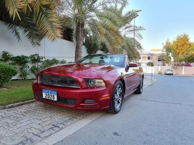 CONVERTIBLE FORD MUSTANG 2014 V6 ENGINE,3.7L 305HP US SPECS IN PERFECT CONDITION