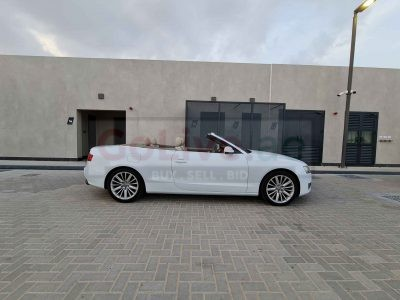 AUDI A5 SOFT TOP CONVERTIBLE , 2.0L , 2012 FULLY LOADED QUATTRO ACCIDENT FREE IN PERFECT CONDITION