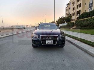 AUDI Q5 2010 TOP OF THE LINE WELL MAINTAINED US SPECS