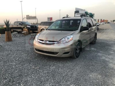 Toyota Sienna 2008 Fully Automatic only driven 148000