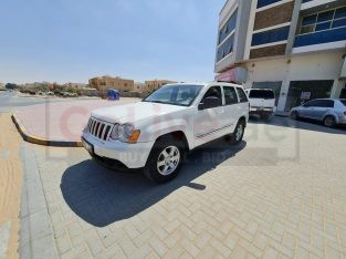 JEEP GRAND CHEROKEE LAREDO 2010 4WD IN PERFECT CONDITION