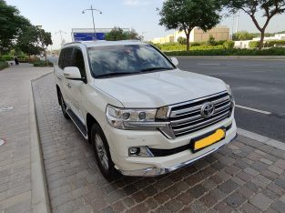 Toyota Land Crusier 2018 GXR TOp Edition V6 Only Done 50000 kms ( Single Onwer )