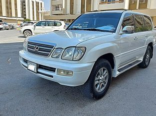 LEXUS LX470 – MODEL 2000