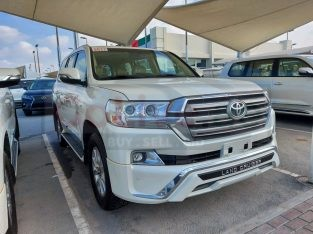 Toyota Land Cruiser 2017 AED 160,000, GCC Spec, Good condition, Full Option, Sunroof, Navigation System, Fog Lights, Negotiable