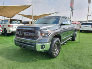 Toyota Tundra 2014 AED 80,000, Japanese Spec, Good condition, Navigation System, Fog Lights, Negotiable