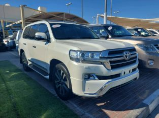Toyota Land Cruiser 2017 AED 190,000, GCC Spec, Full Option, Sunroof, Negotiable