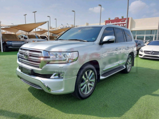 Toyota Land Cruiser 2017 AED 215,000, GCC Spec, Good condition, Warranty, Full Option, Sunroof, Lady Use, Navigation System,