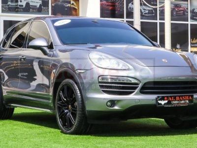 Porsche Cayenne 2014 AED 95,000, GCC Spec, Good condition, Full Option, Turbo, Sunroof, Lady Use, Navigation System, Fog Lights