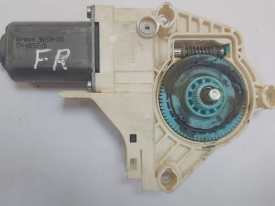 Audi A1 A4 A6 Q3 Q5 Touareg Front Right Door Window Motor Part No 8K0959802A ( Genuine Used AUDI Parts )