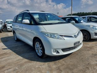 Toyota Previa 2015 AED 32,000, GCC Spec, Negotiable