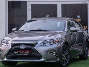 Lexus IS-Series 2016 AED 65,000, Good condition, Full Option, US Spec, Sunroof, Navigation System, Fog Lights