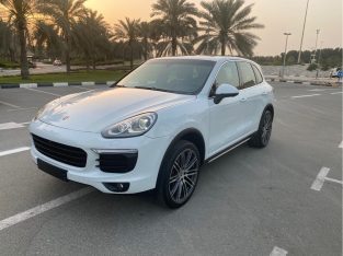 Porsche Cayenne 2016 AED 125,000, GCC Spec, Good condition, Full Option, Turbo, Family, Sunroof, Navigation System, Fog Lights,